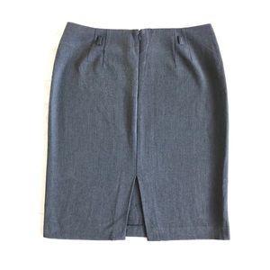Adrienne Vittadini Grey Skirt - Size 10